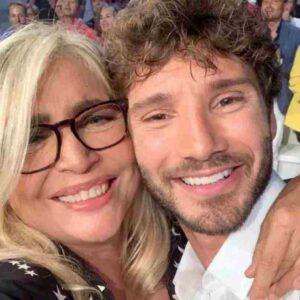 "Mara Venier a Stefano De Martino: ""Sei dimagrito troppo"". Lui risponde così"