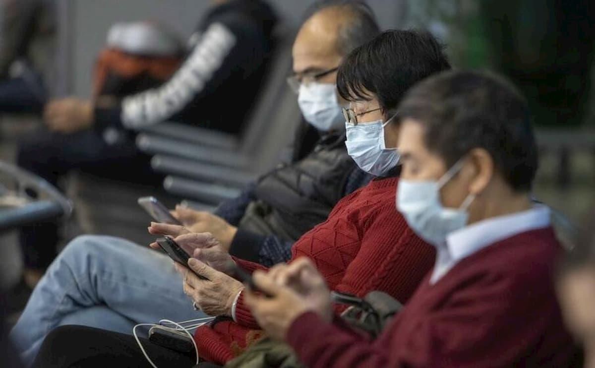 """Il """"modello giapponese"""" contro il coronavirus: mascherine, pochi tamponi, isolamento rapido dei focolai e no lockdown"""