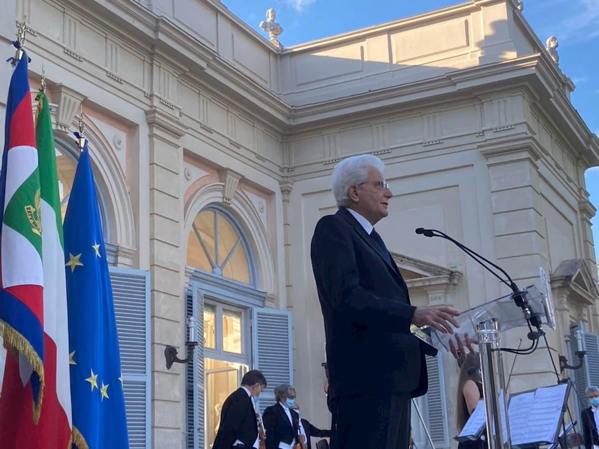 """2 giugno, Mattarella: """"Inaccettabile dividersi ora"""""""