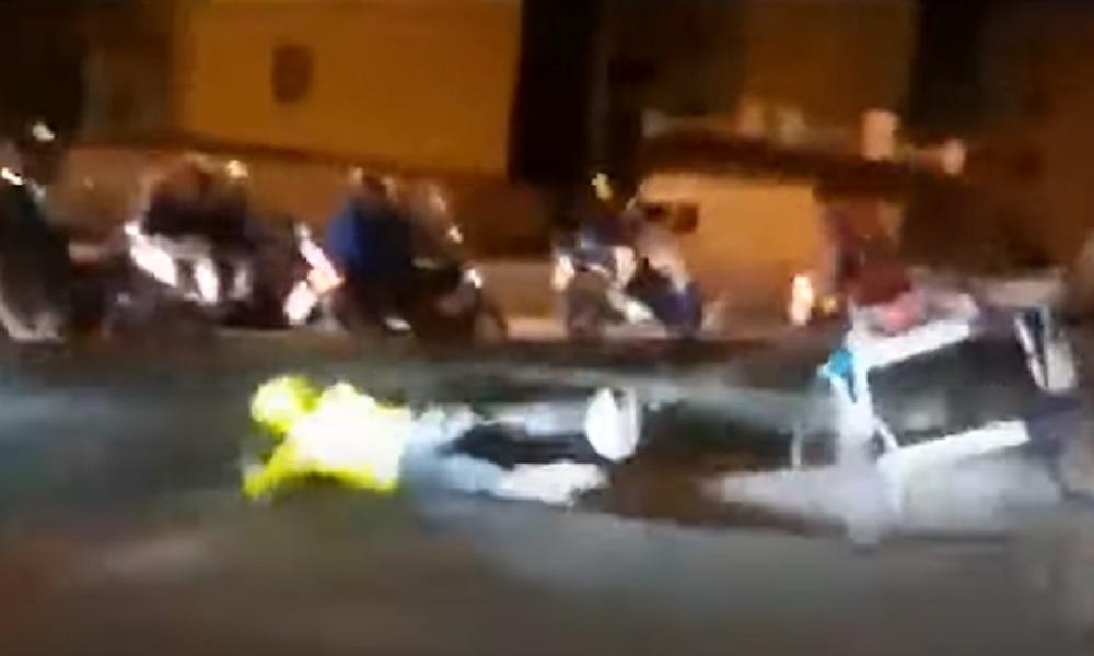 Messina, corsa clandestina di cavalli: un animale finisce contro il guard rail VIDEO
