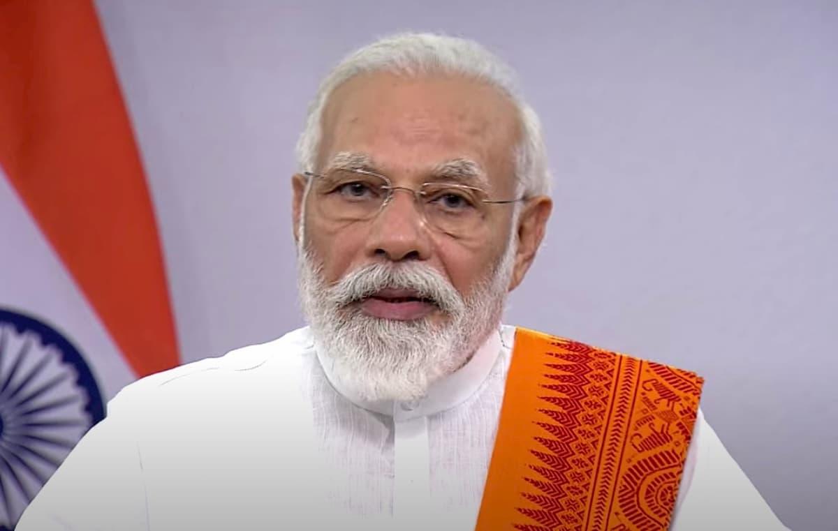 """Coronavirus, il premier indiano Modi: """"Yoga è scudo protettivo contro il Covid.19"""" VIDEO"""