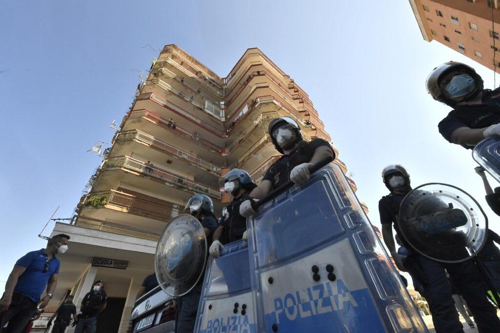 Polizia a mondragone