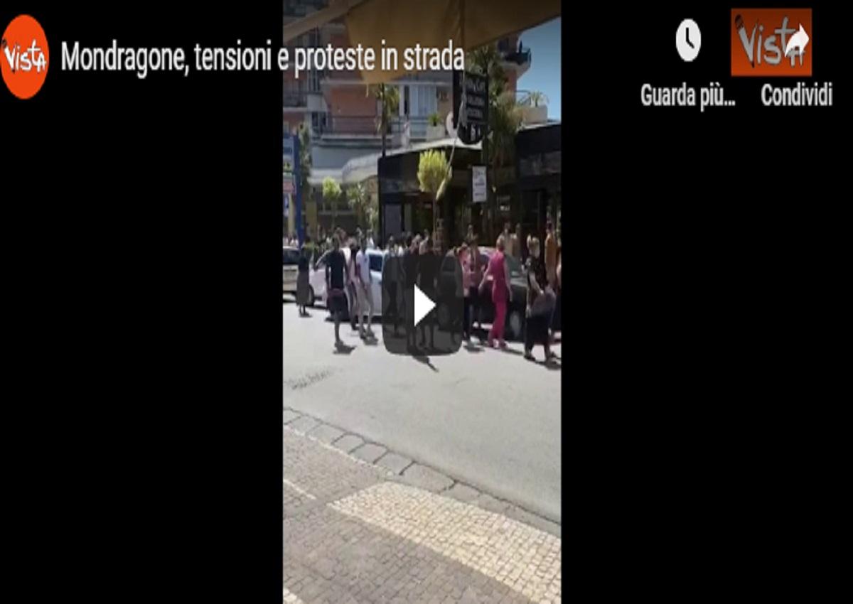 Mondragone, proteste in strada