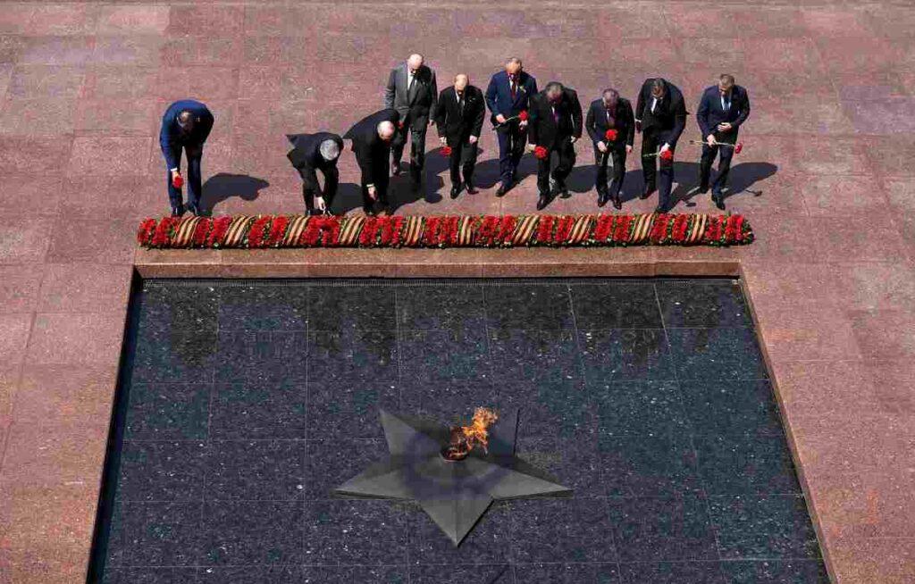 putin alla cerimonia vittoria seconda guerra mondiale