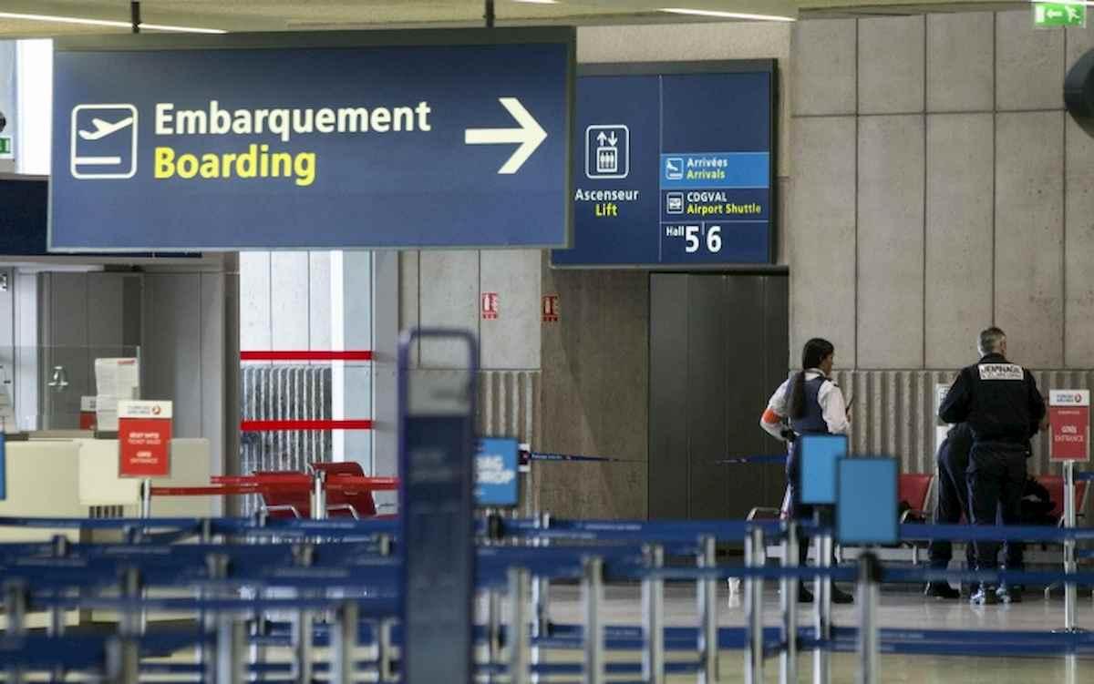 Nella foto Ansa l'aeroporto Charles De Gaulle