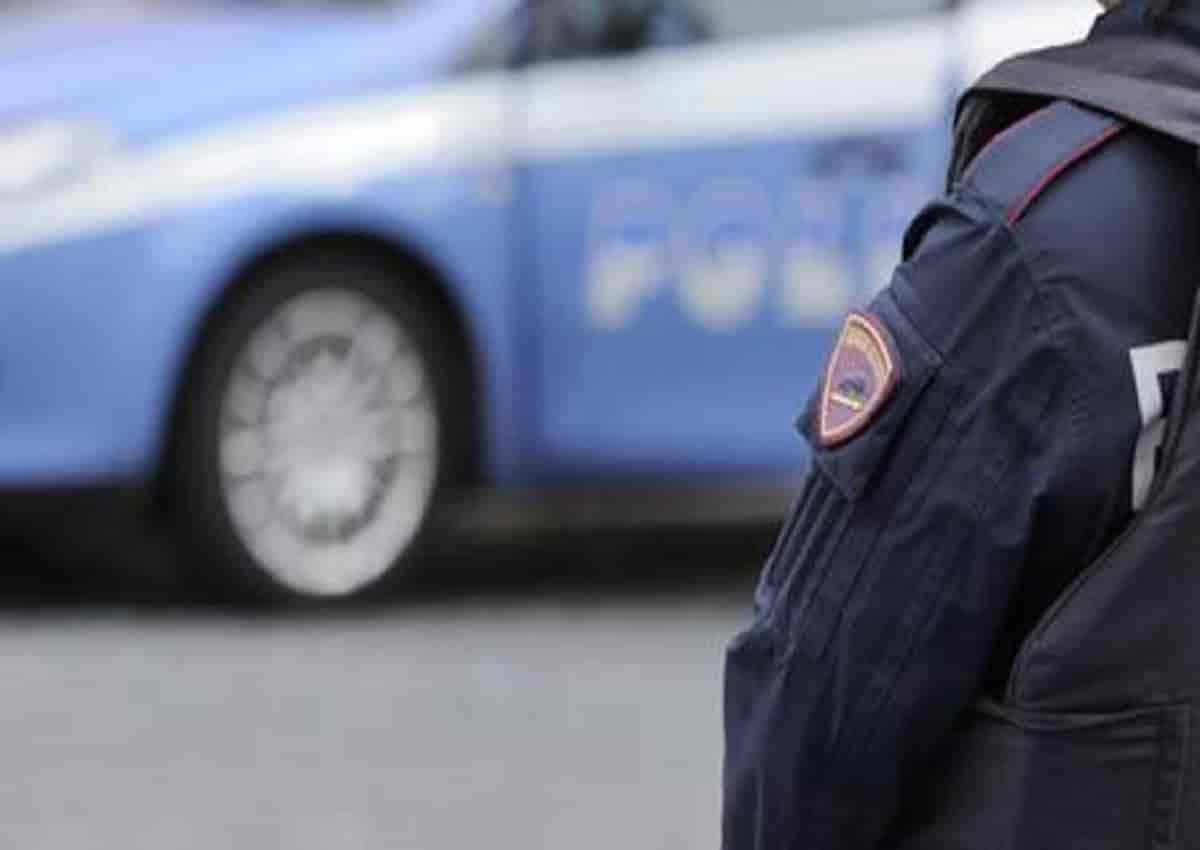 Polizia e Roma, una foto d'archivio Ansa