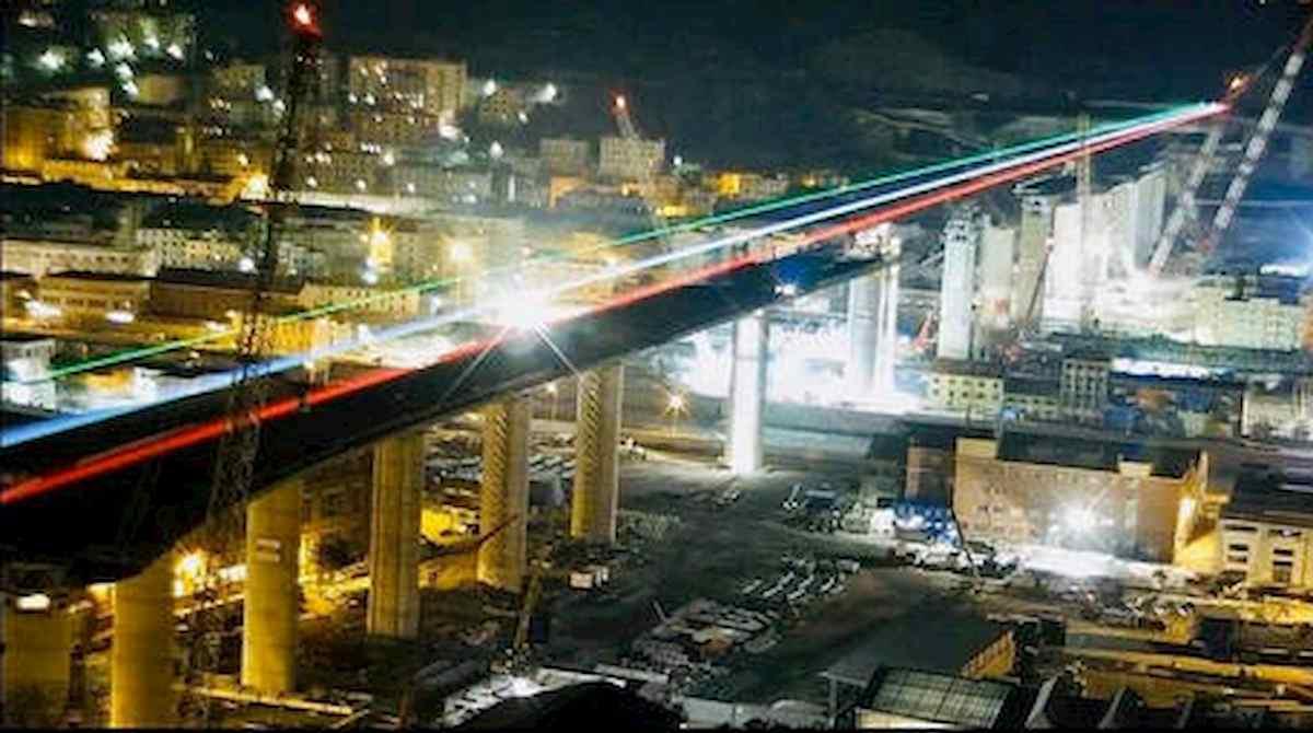Genova, la burocrazia minaccia il ponte del miracolo: passerella scollegata e senza auto?