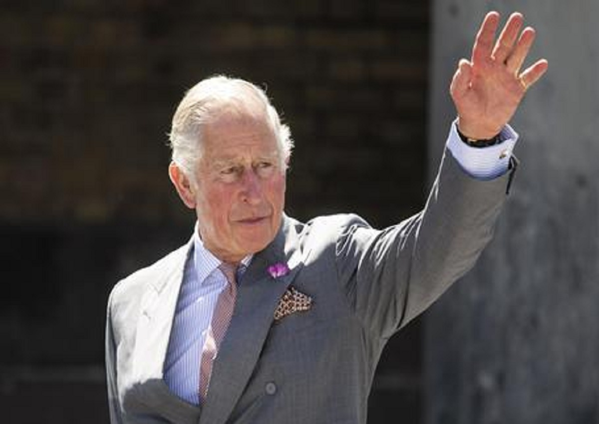 The Crown, quarta edizione, dieci episodi datati fra l'uccisione di Lord Mountbatten e la fine della Thatcher. In mezzo, l'infelice storia di Carlo e Diana