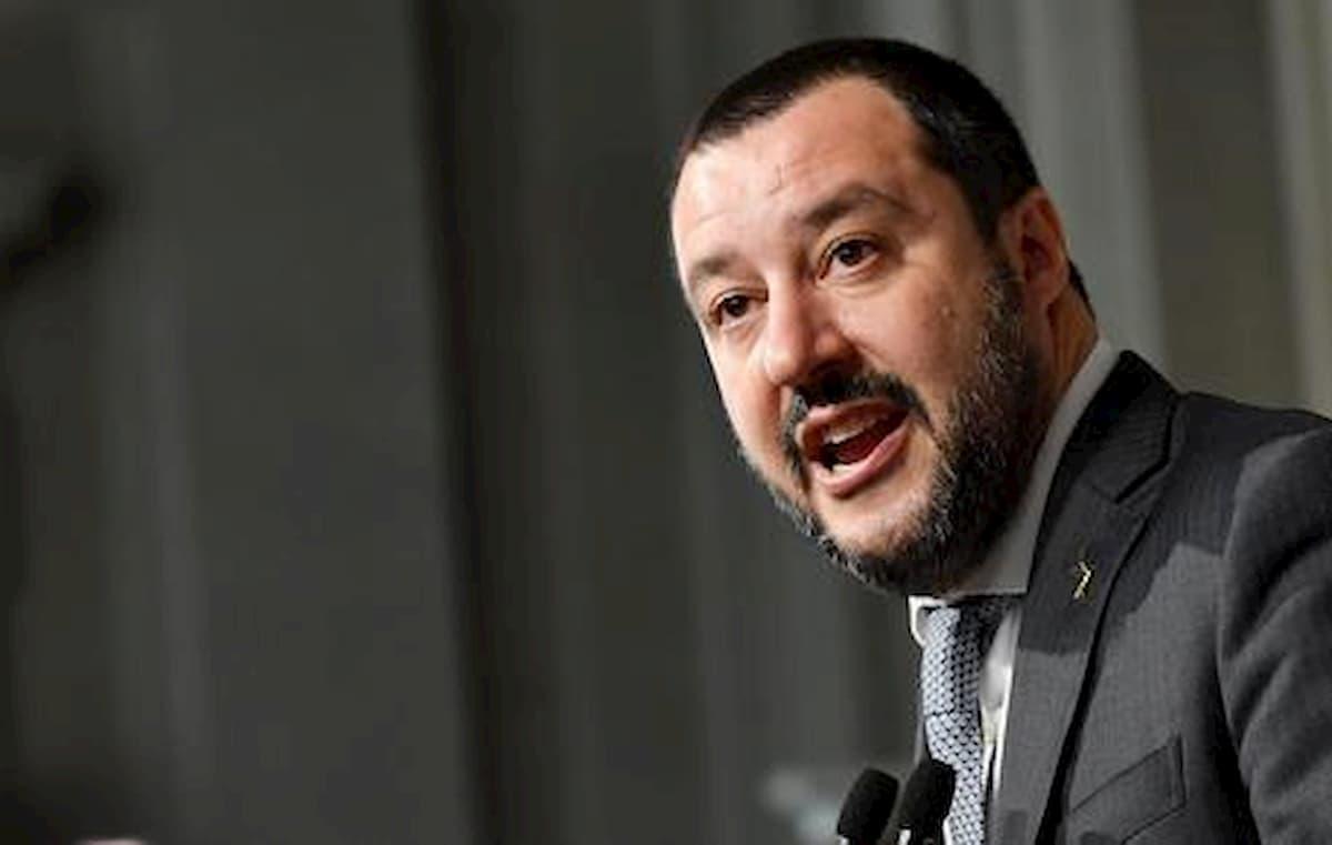"""App Immuni, Salvini: """"Ha soci cinesi, non la scarico"""""""