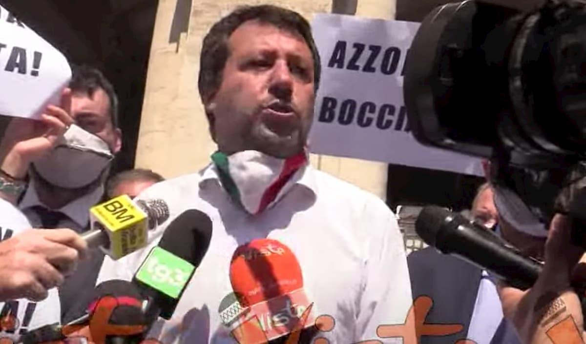 Matteo Salvini contro Lucia Azzolina sulla riapertura della scuola