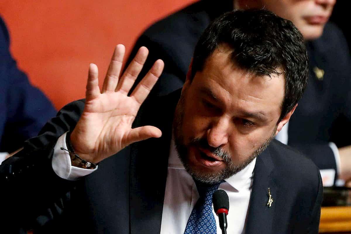 """Salvini, il lapsus in Senato: """"I porti chiusi condannano a morte migliaia di persone"""" VIDEO"""