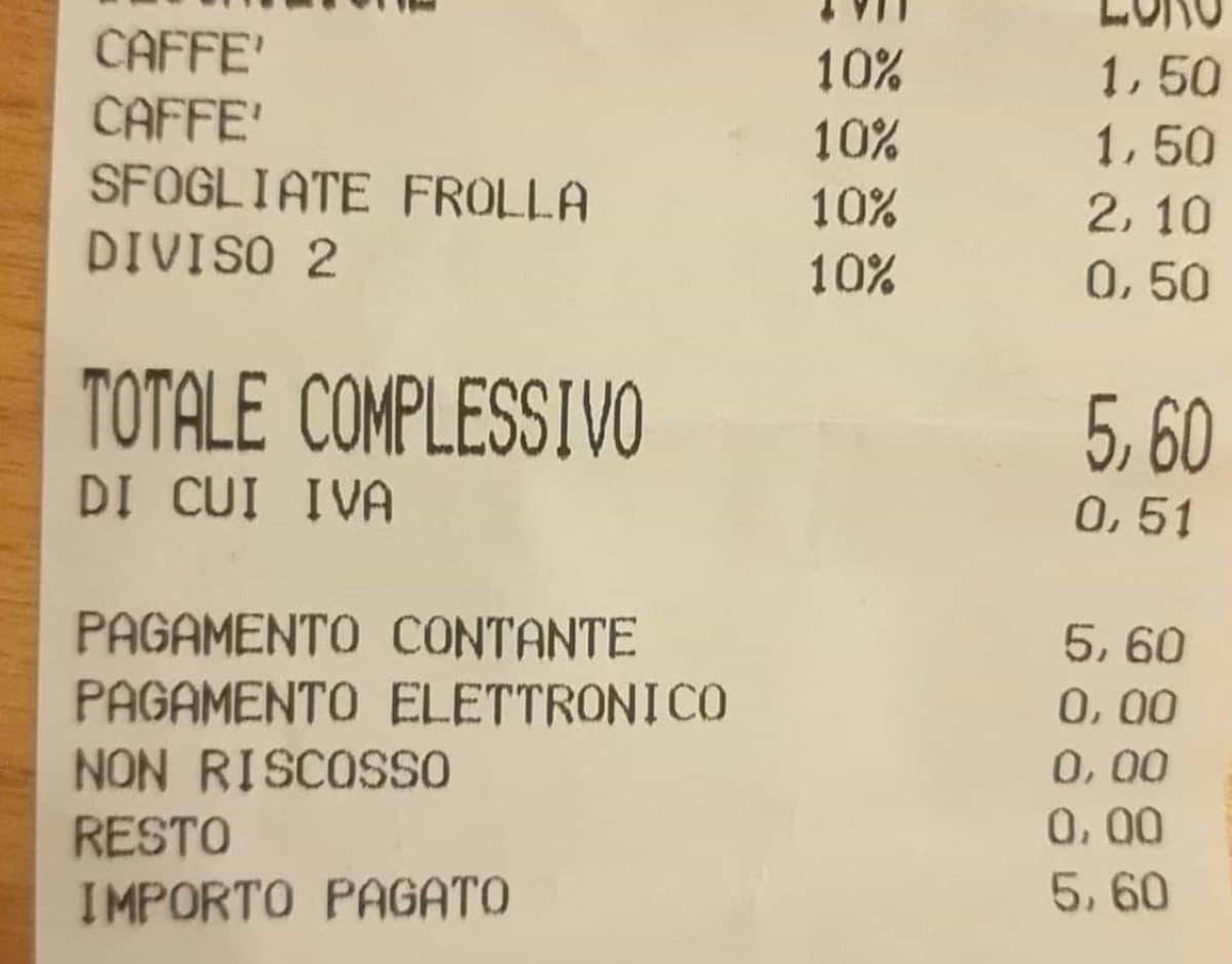 Napoli, sfogliatella tagliata in due: cinquanta centesimi in più sullo scontrino
