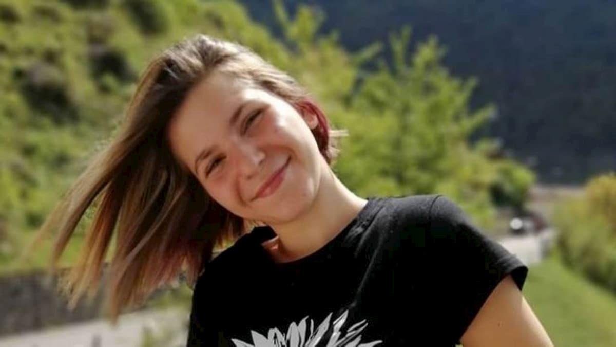 Peschiera del Garda, si tuffa nel lago e sbatte la testa: morta a 20 anni
