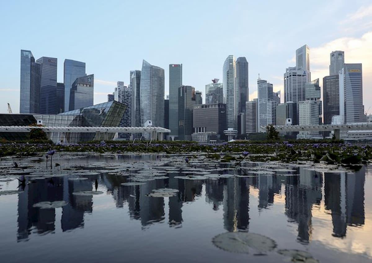 """""""Artisti lavoratori non essenziali"""": il sondaggio di Singapore che fa discutere"""