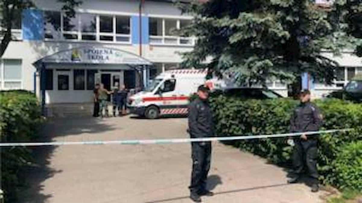 Slovacchia, armato di coltello entra a scuola: uccide vicedirettore e ferisce due bambini