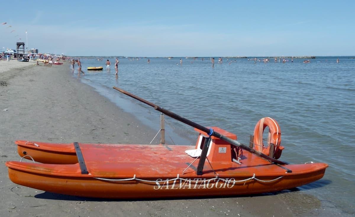 Vacanze, la metà degli italiani non ci va (paura e no soldi). Villeggiatura autarchica