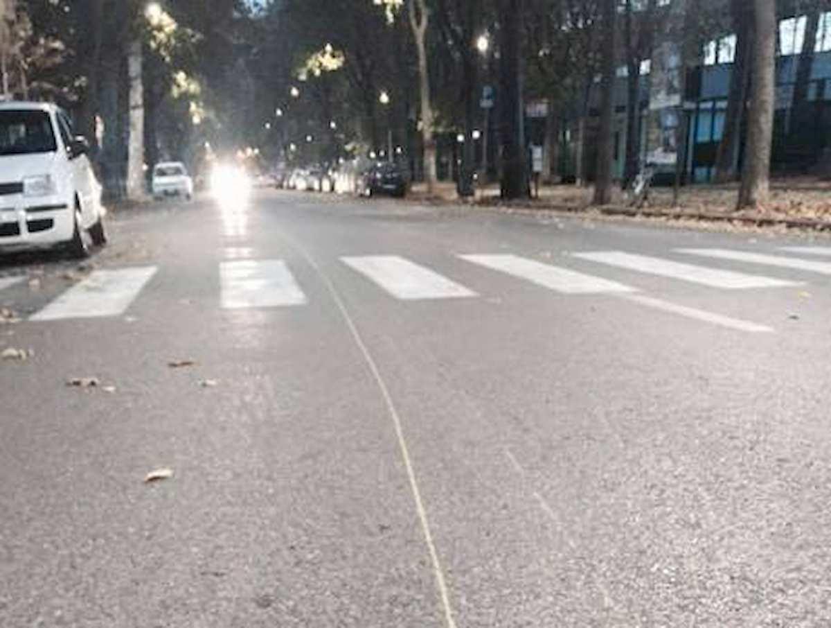 Roma, ragazzino di 14 anni travolto e ucciso da un'auto all'Infernetto: è morto sul colpo