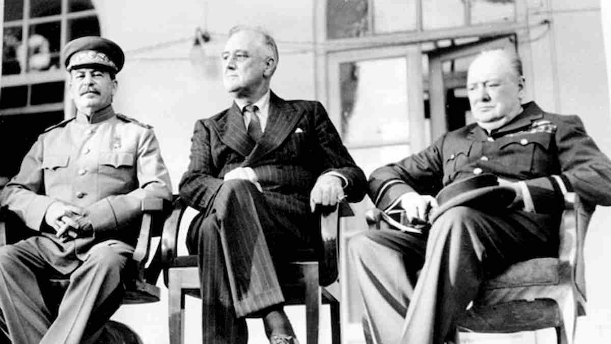 Operazione Long Jump, il piano nazista per uccidere Churchill, Stalin e Roosevelt alla Conferenza di Teheran
