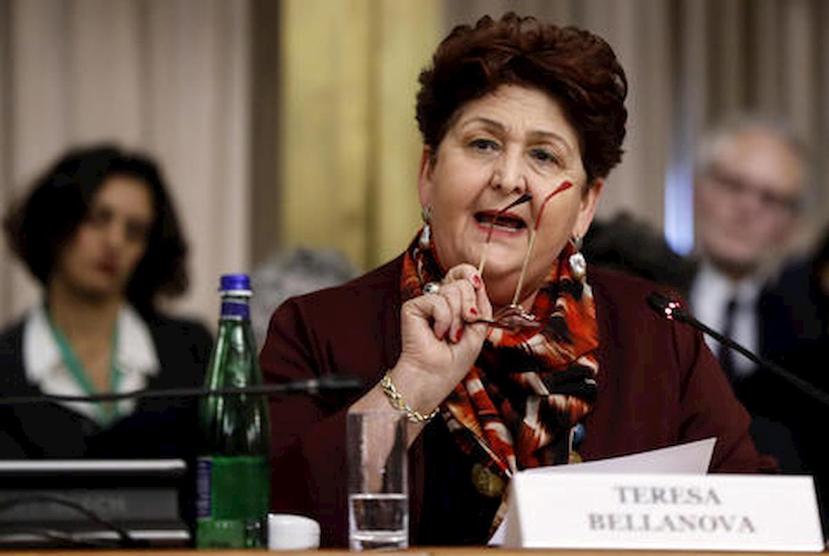 """Teresa Bellanova, problemi di salute: """"Costretta a fermarmi per un calcolo alla colecisti"""""""