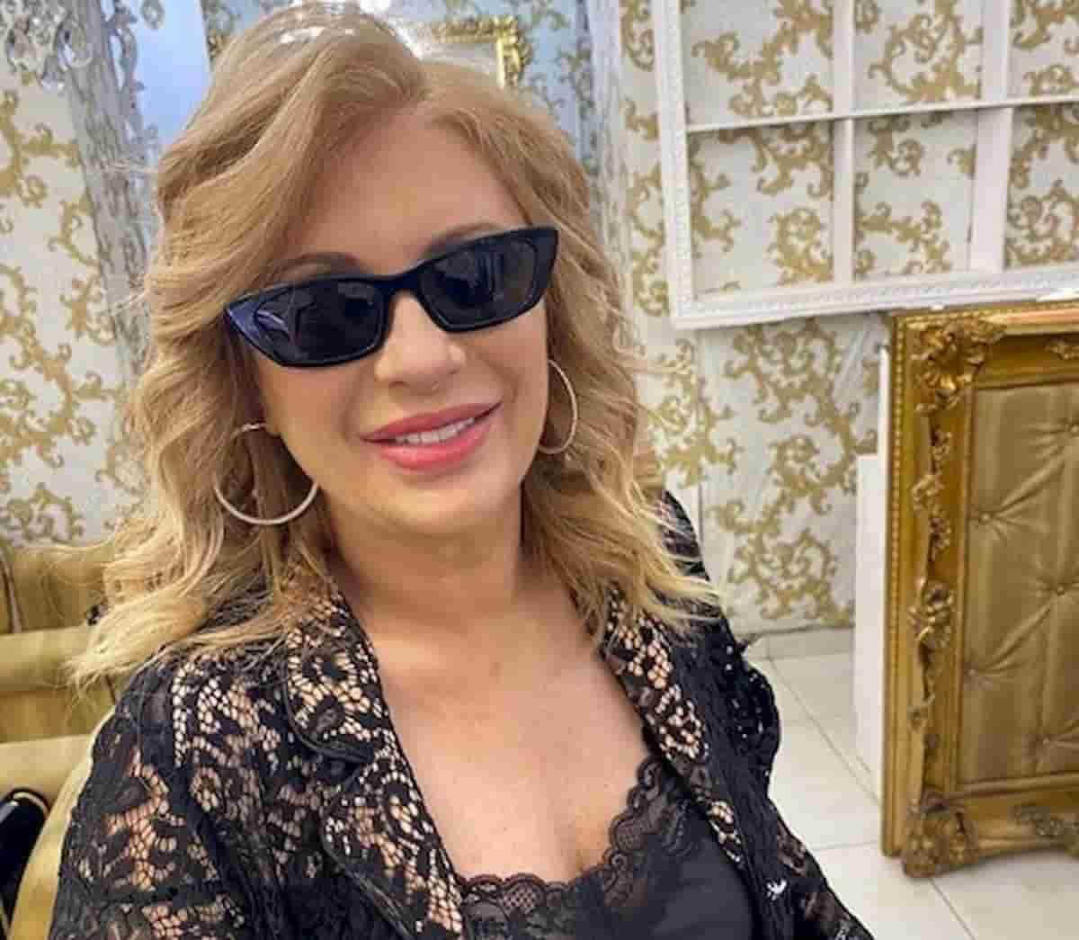 Tina Cipollari, dieta le fa perdere 20 kg: l'ultima foto fa il pieno di like
