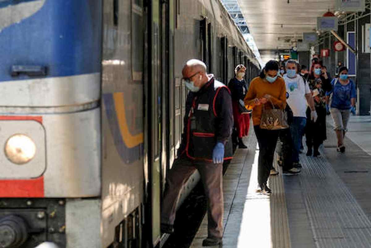 3 giugno, riaprono Regioni: misurazione febbre obbligatoria sui treni. Le regole per i viaggiatori