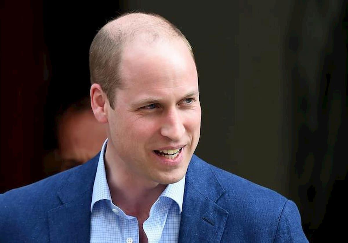 Il principe William ha visitato il team di ricercatori che sta mettendo a punto il vaccino contro il coronavirus