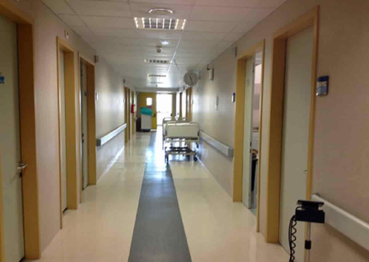 Fabian O'Neill, una foto d'archivio Ansa di un ospedale