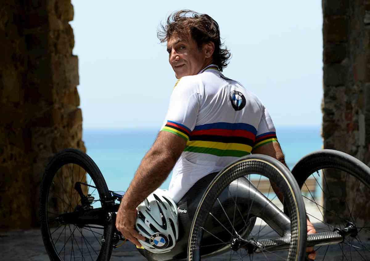 Alex Zanardi a breve trasferito in un centro di riabilitazione. Forse all'estero