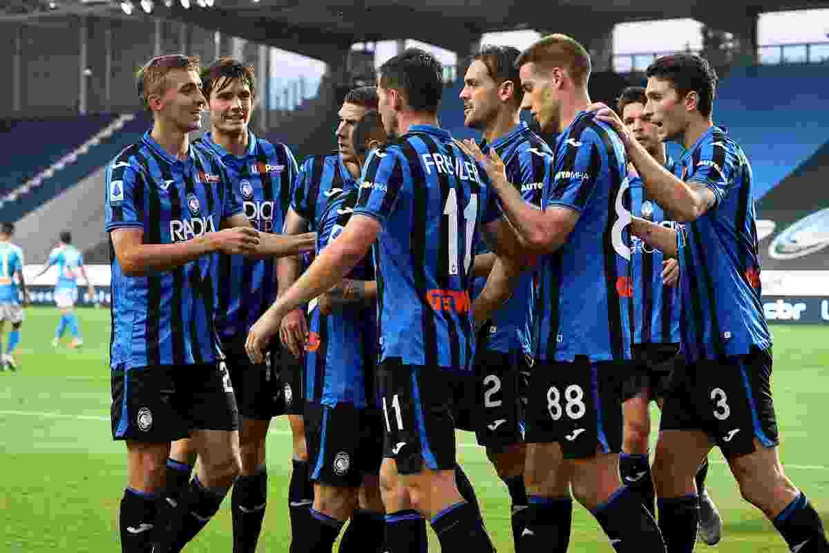 Atalanta Napoli 2 0 e torna a meno quattro dall' Inter