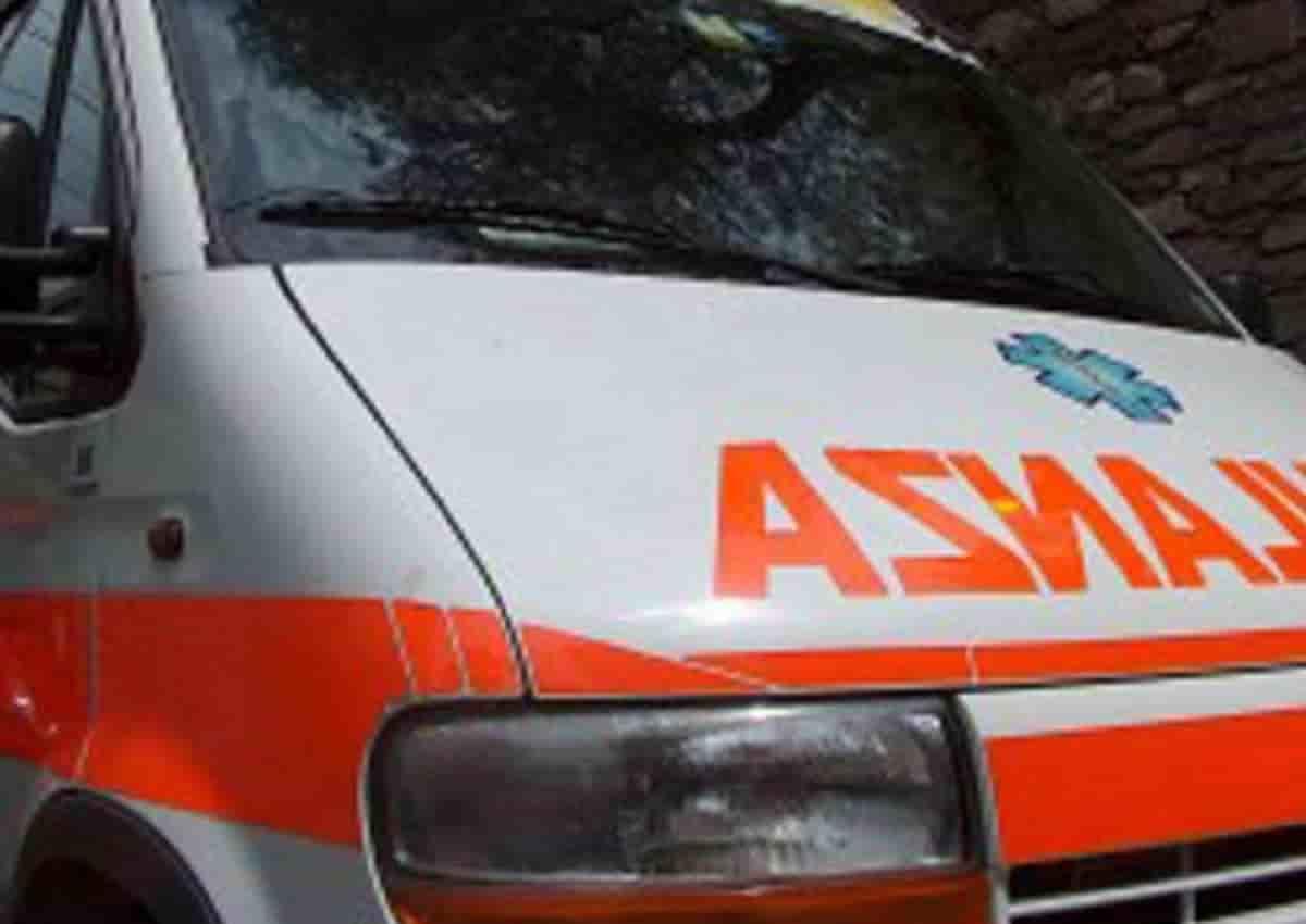 Aversa, foto d'archivio Ansa di una ambulanza