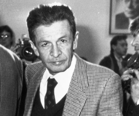 Salvini figlioccio di Berlinguer (nella foto). Lega diventa Partito comunista del Papeete