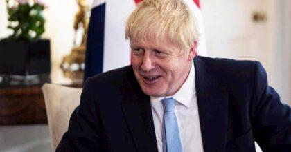 Boris Johnson (nella foto) dà aumento fra il 2 e il 3% a 900 mila dipendenti pubblici
