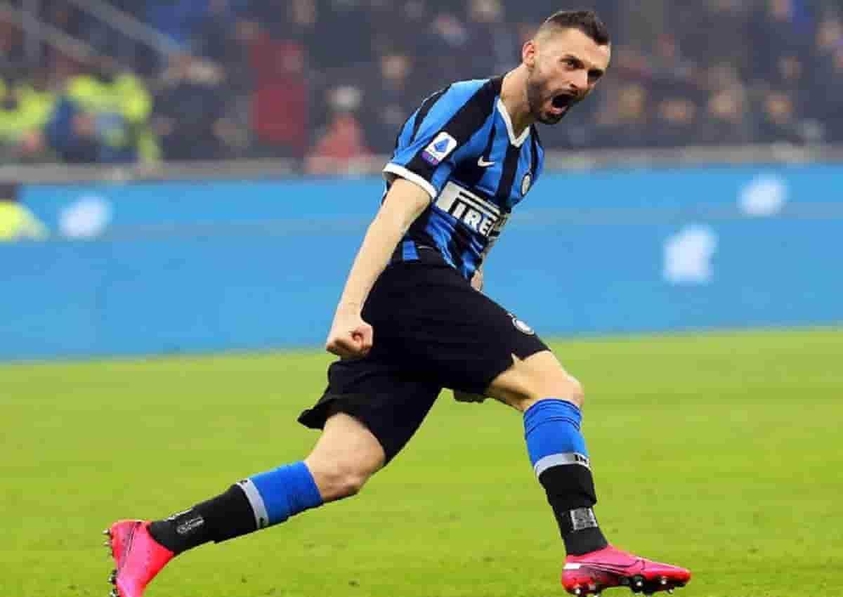 Brozovic con la maglia dell'Inter, Ansa