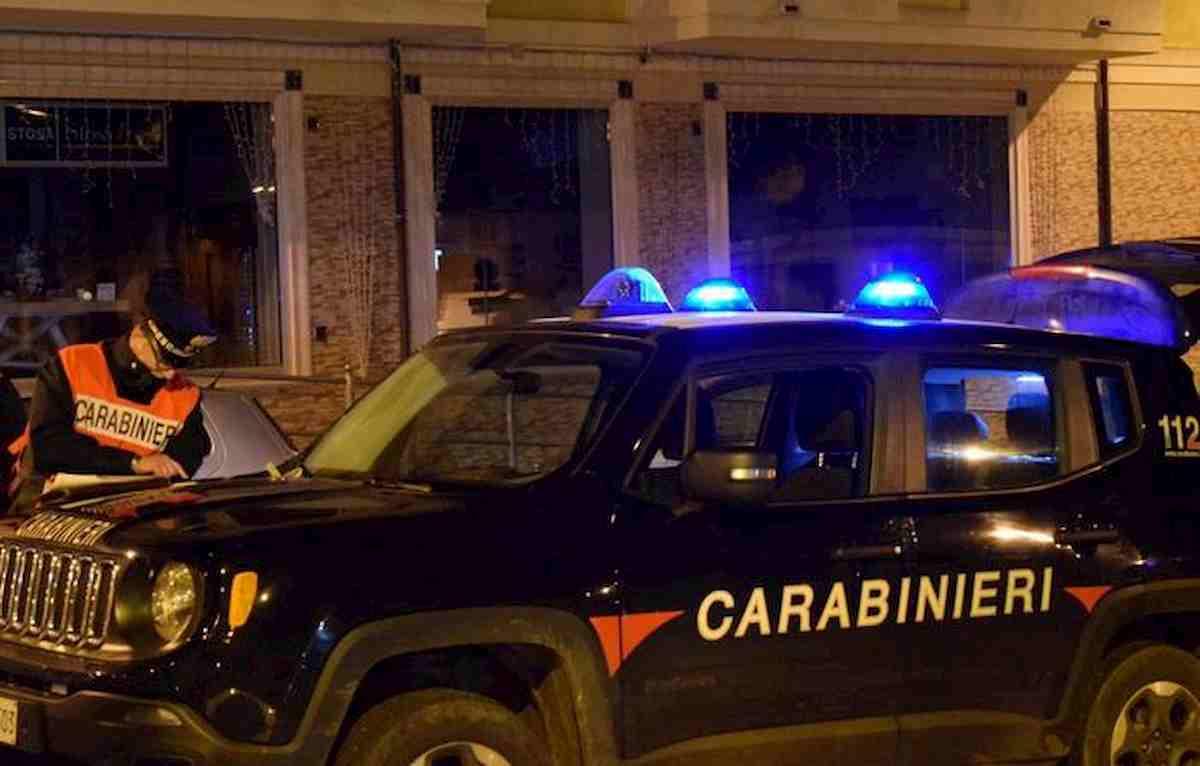 Castel Volturno, gemelli in scooter contro auto. Uno è morto, l'altro è grave
