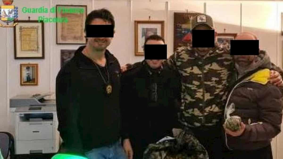 Carabinieri arrestati piacenza
