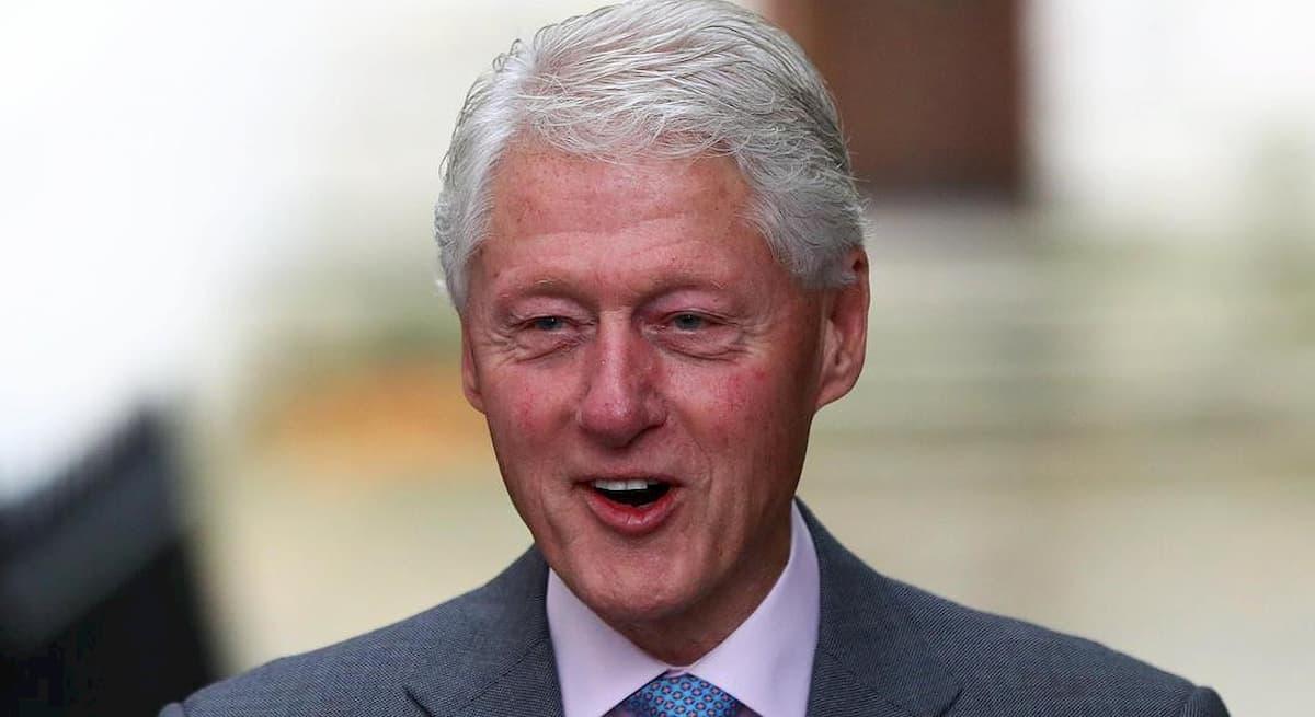 """Jeffrey Epstein, Bill Clinton nella sua isola privata per """"un favore"""""""