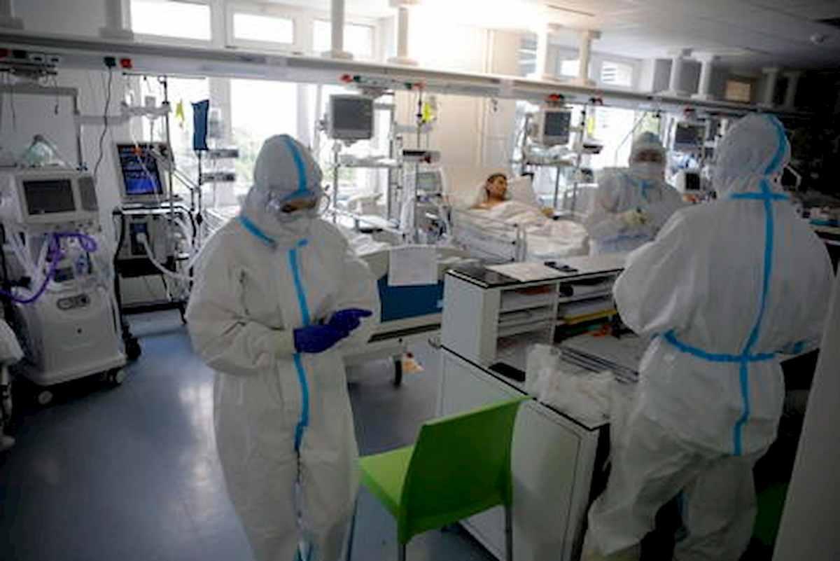 coronavirus, foto ansa