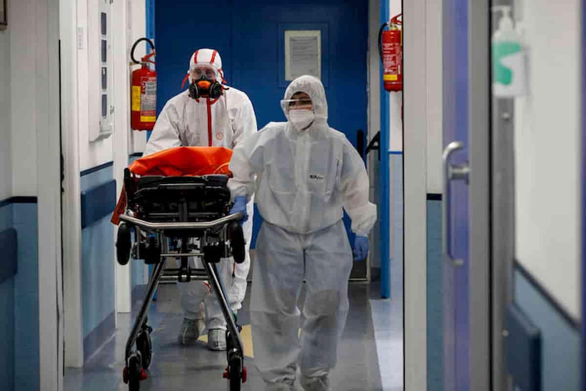 Coronavirus Italia, nuovi casi: a Palo del Colle (Bari) chiuso Comune. A Rimini focolaio in ospedale