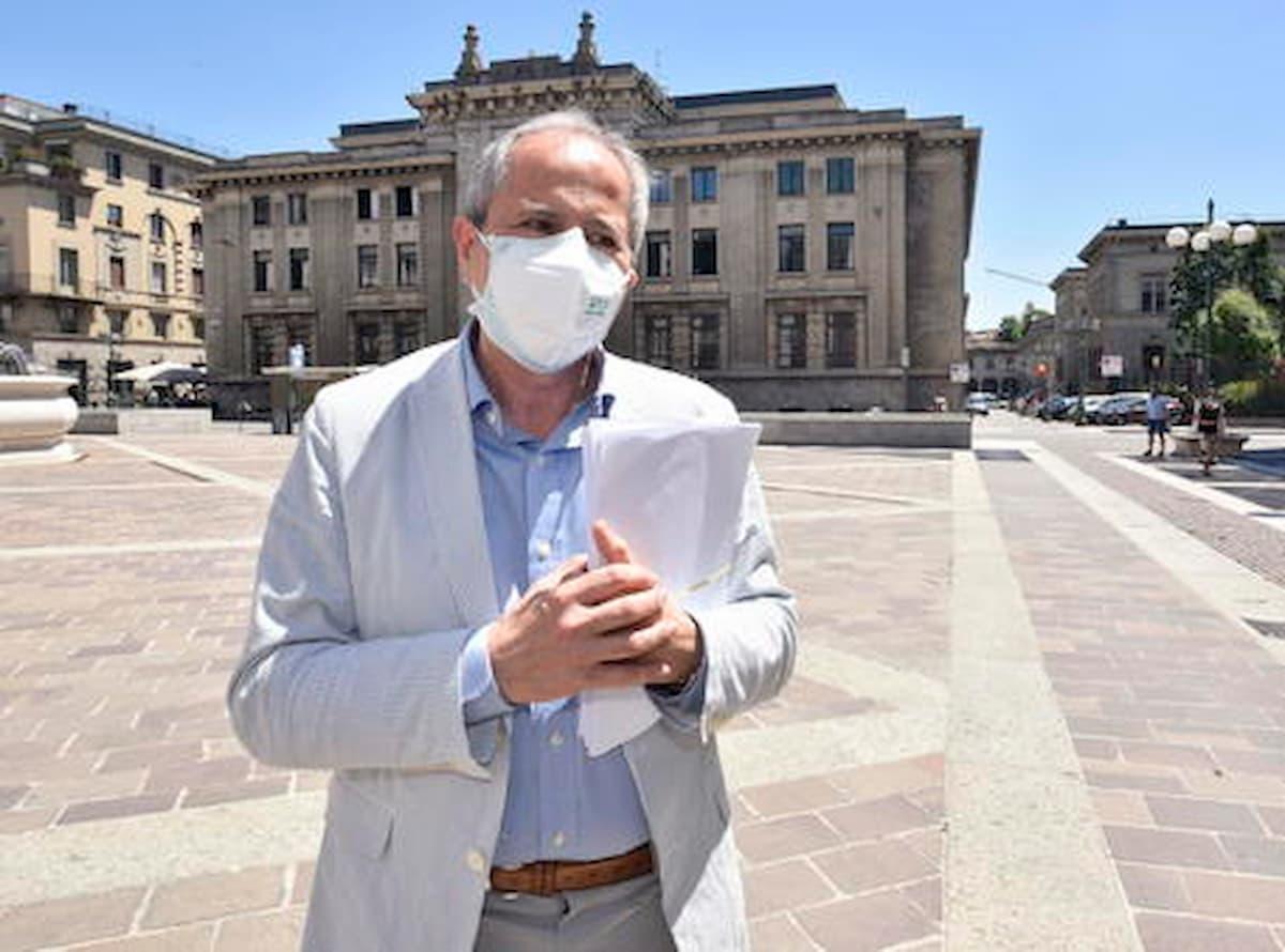 Dopo i nuovi focolai di coronavirus in Veneto Crisanti attacca Zaia e i suoi virologi