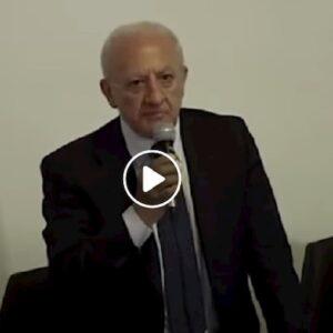 """Vincenzo De Luca: """"Milano e Bergamo non si fermano. Poi si sono fermati a contare i morti"""" VIDEO"""