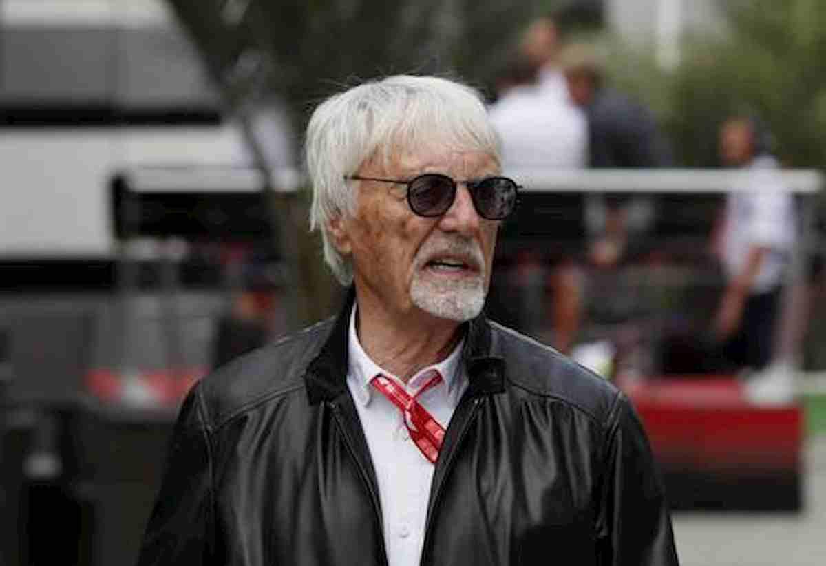 Bernie Ecclestone si aggiudica all'asta lo yacht Force Blue sequestrato Flavio Briatore