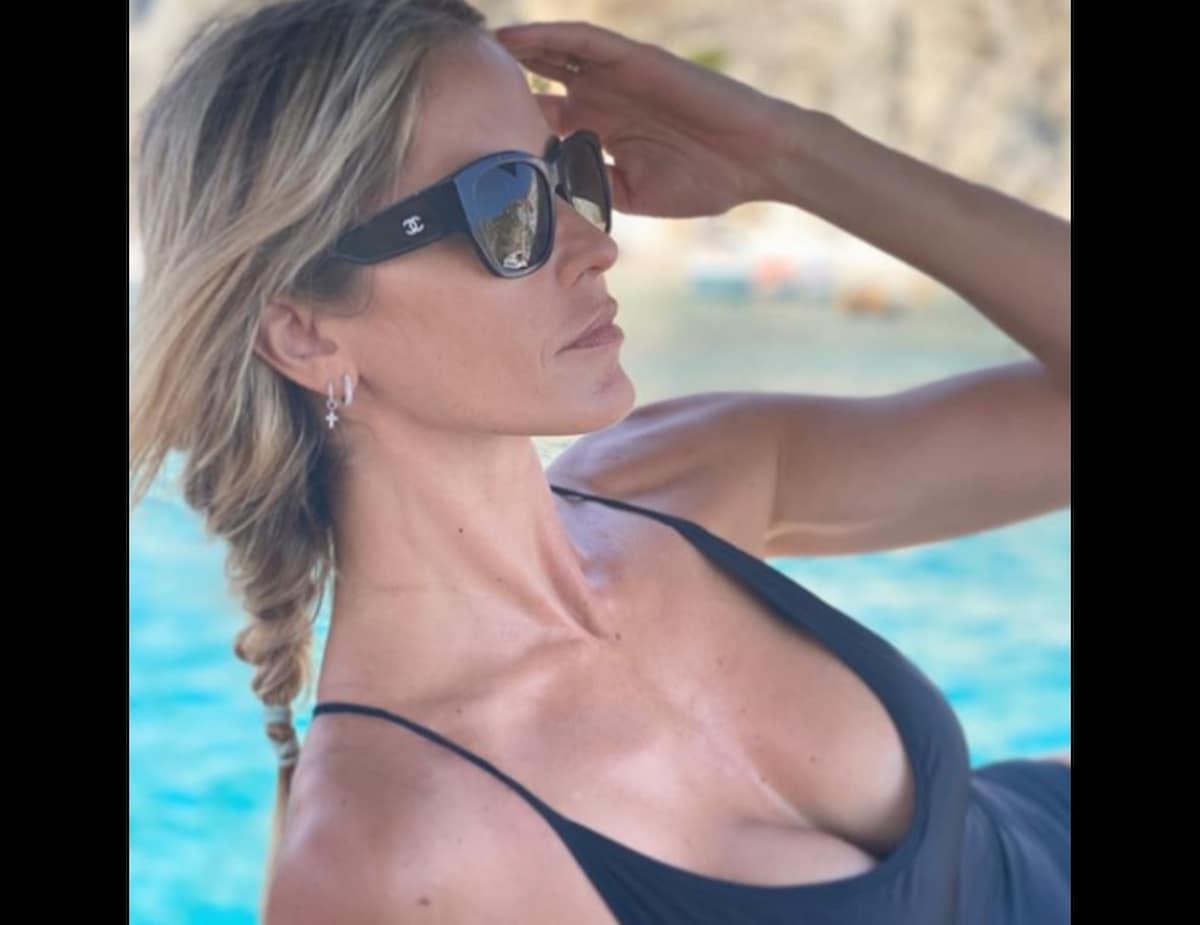 Elena Santarelli seno rifatto