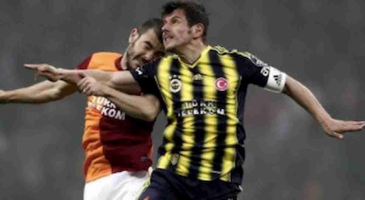 Emre Belözoğlu (39 anni) ha segnato almeno un gol negli ultimi quattro decenni