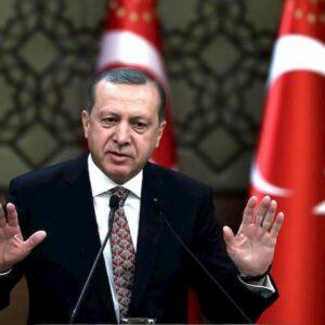 """Erdogan: """"Musulmani in Europa trattati come gli ebrei durante il nazismo"""""""