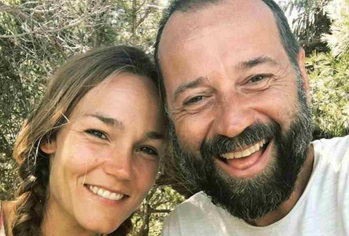 Fabio Volo è single: Johanna Maggy si trasferisce alle Baleari con i figli