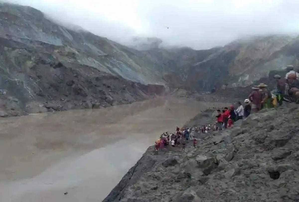 Myanmar, frana nella miniera di giada