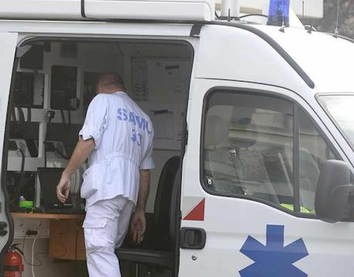 Autista bus si rifiuta di far salire passeggeri senza mascherina: ucciso