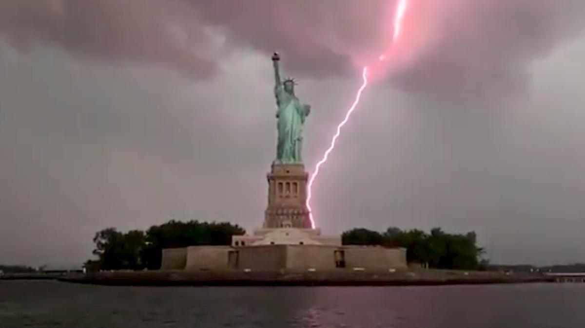 fulmine statua liberta, new york