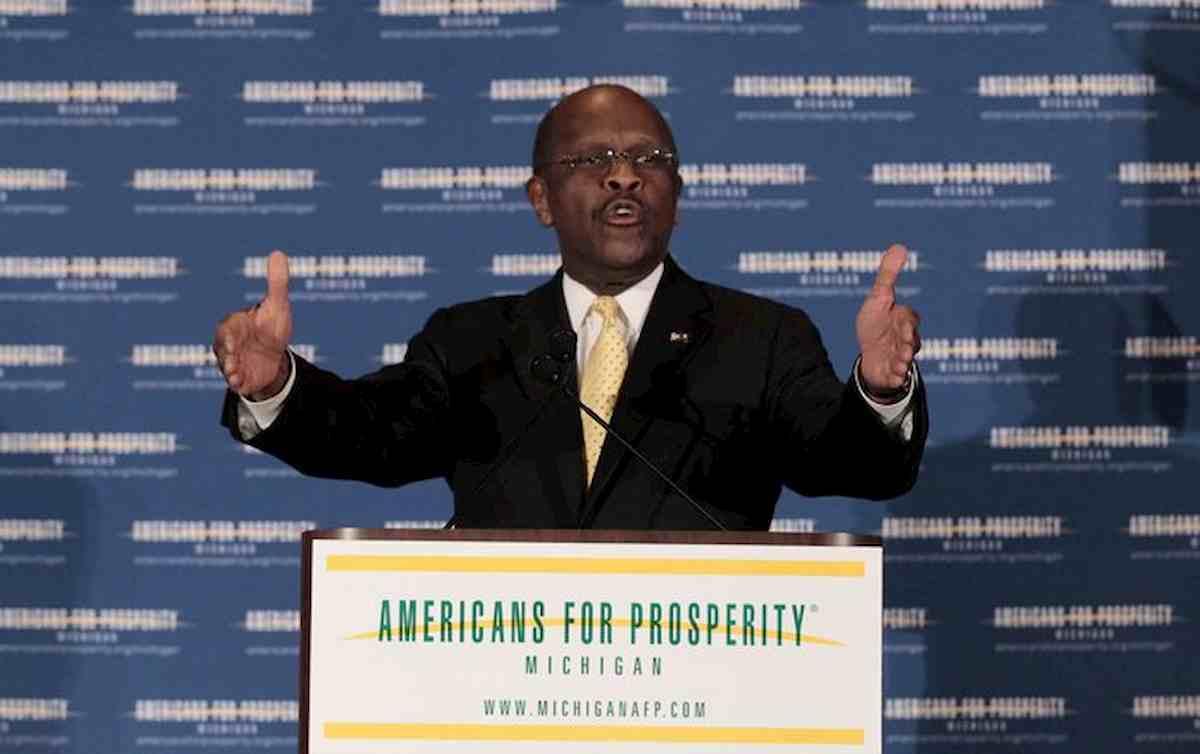 Herman Cain morto di coronavirus. Il politico Usa era al comizio di Trump senza mascherina