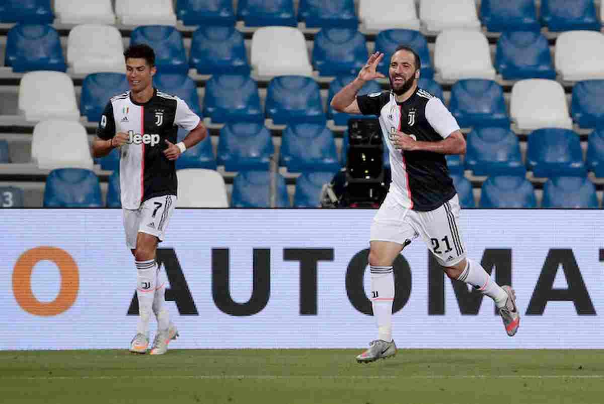 Serie A: Juventus, il pazzo 3-3 con il Sassuolo non fa male: è a +7 sull'Atalanta. Roma stacca Napoli Milan